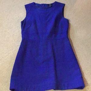 H&M's classic cobalt 👗 dress